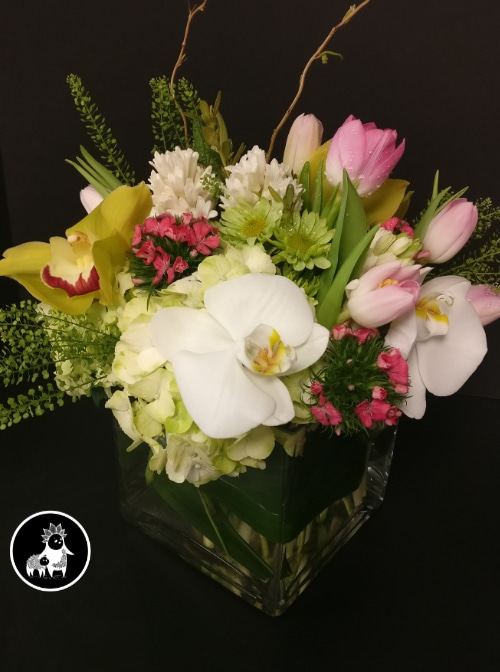 Curbside pickup near you by Cumberland Flower Shop
