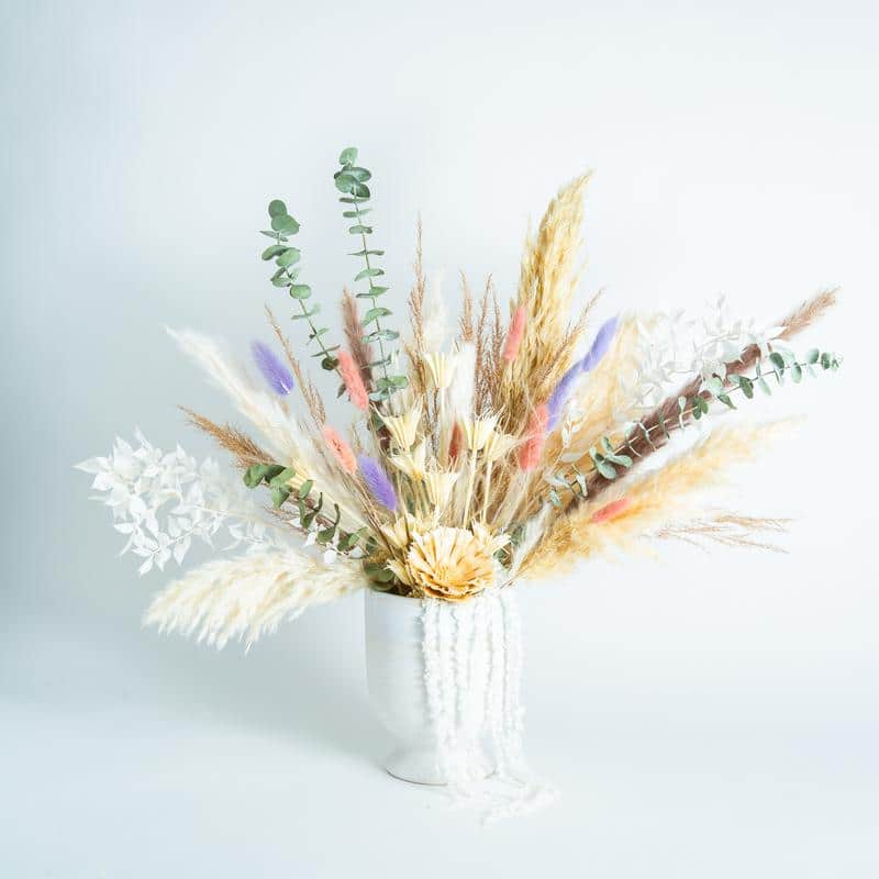 dried pampas and flower arrangements
