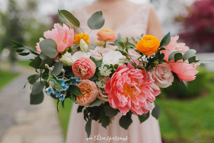 bridal bouquets and wedding packages
